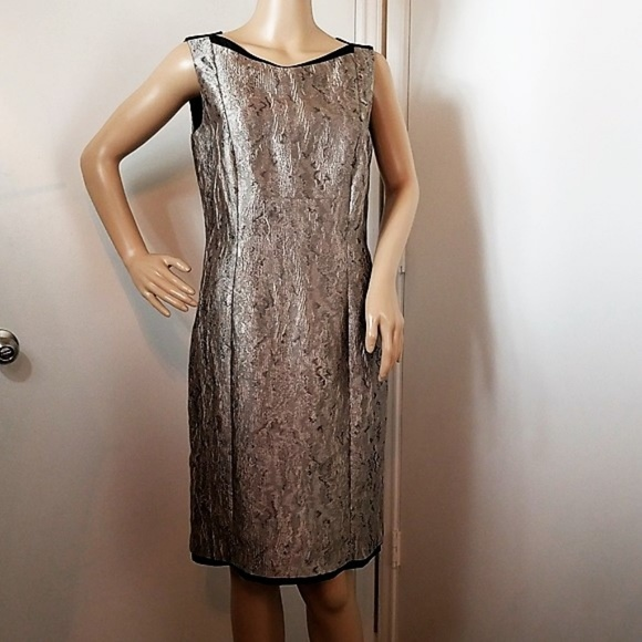 8d3ddf0825f Antonio Melani silver sleeveless sheath dress 6